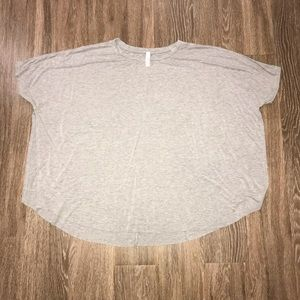 Jolie Los Angelos Oversized Top, Gray